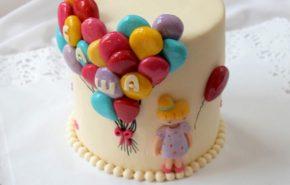 Õhupallide ja tüdruga tort | Erikaunistusega tordid | Cafe Boulevard