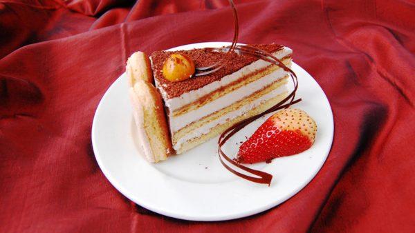 Tiramisu tort 1,2 kg - lõik | Cafe Boulevard