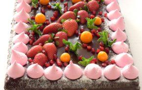 Toorjuustu-maasika tort | Erikaunistusega tordid | Cafe Boulevard