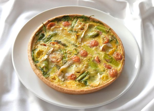Quiche rohelise spargli, kirsstomati ja Brie juustuga | Cafe Boulevard